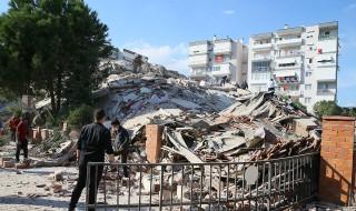 Deprem bölgesinden canlı yayın